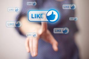 Facebook nos permite ofrecer nuestras ofertas a gran cantidad de personas